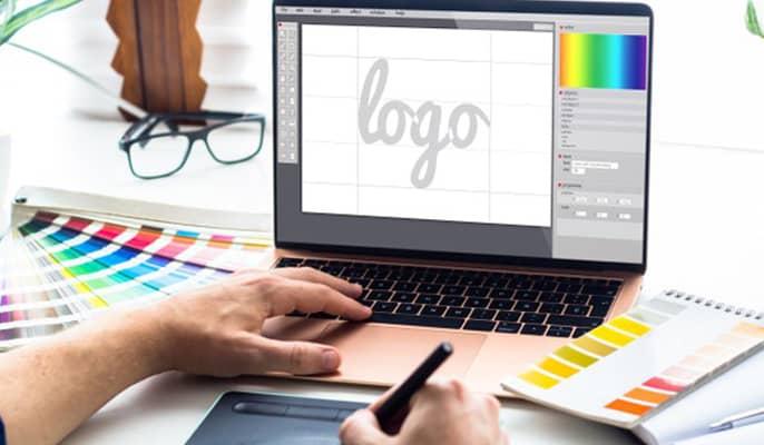 طراحان گرافیک - نگهداری از وبسایت هزینه بالایی ندارد