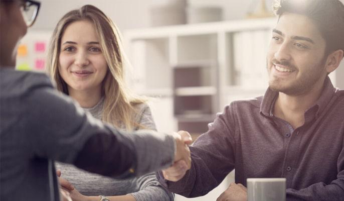 به مشتریان خود گوش دهید - زبان بدن خود را در نظر بگیرید