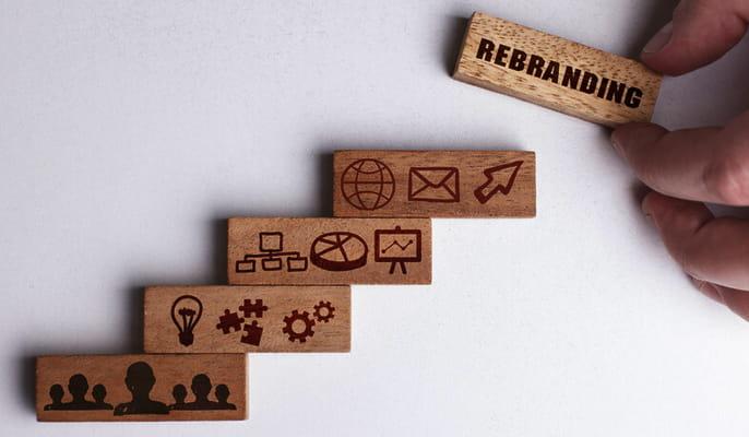 بازسازی برند - چگونه نام تجاری یک شرکت را بازسازی کنیم؟